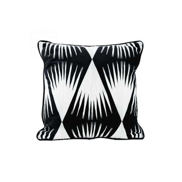 Coussin Bamako avec passepoil _ blanc sur noir