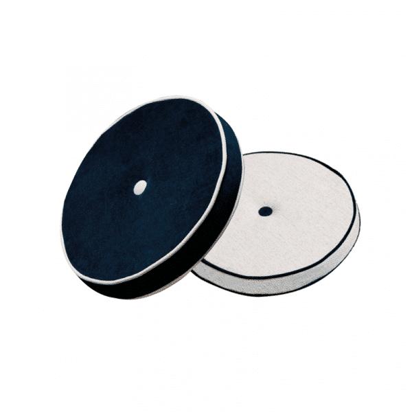 Coussin bouton noir et blanc