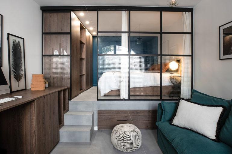 BER23-chambre-5-couchages-lit-sur-estrade-lit-1-place-sous-estrade-vue-d'ensemble
