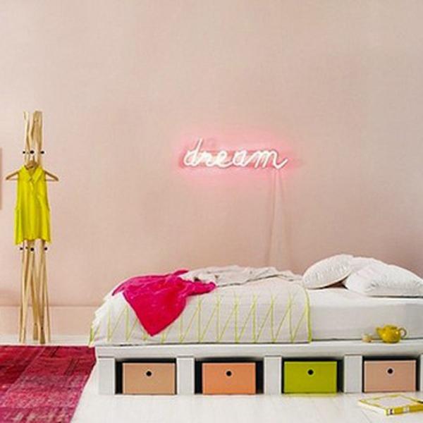 deco-fluo-chambre-neon