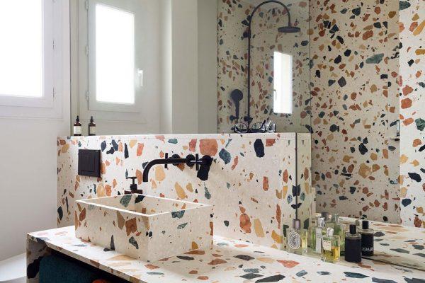 Salle de bain en terrazzo by Max Lamb