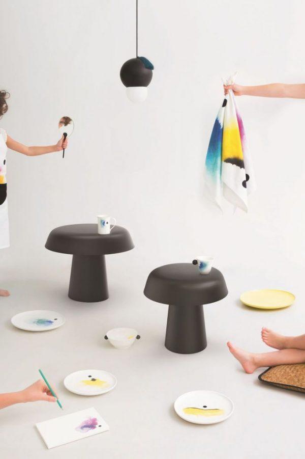 collection-deco-avec-suspensions-vaisselle-torchon-et-table-constance-guisset_5745919